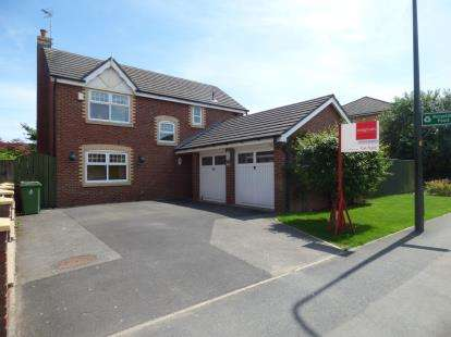 4 Bedrooms Detached House for sale in Guest Street, Leigh, Greater Manchester