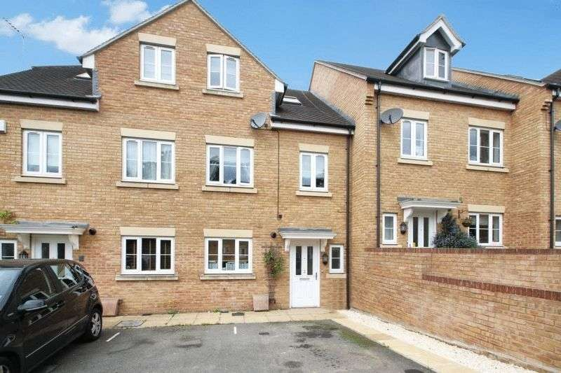 4 Bedrooms Terraced House for sale in Rosebery Mews, High Wycombe