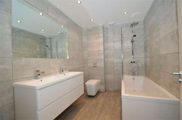 4 Bedrooms Town House for sale in Church Drive, Prestwich, Manchester