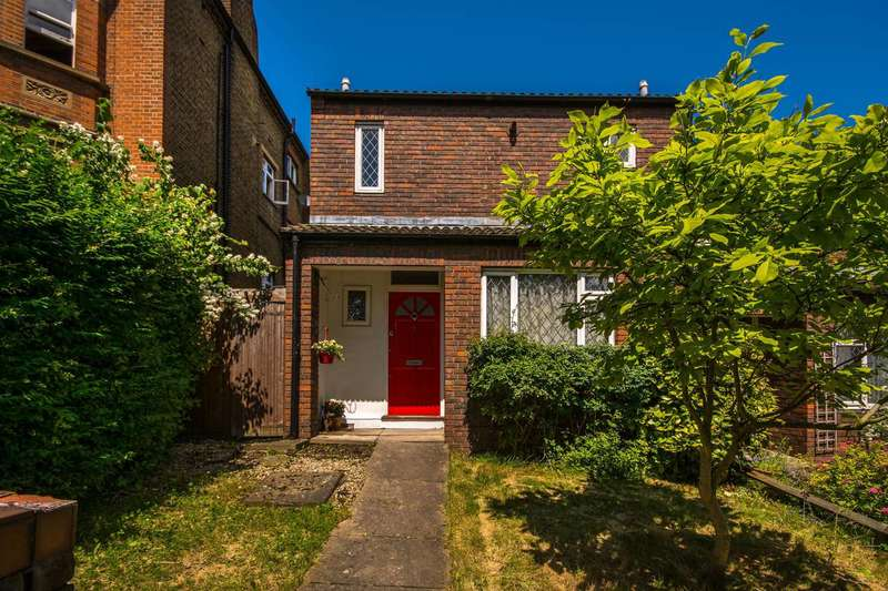 3 Bedrooms House for sale in Lords Close, West Dulwich, SE21