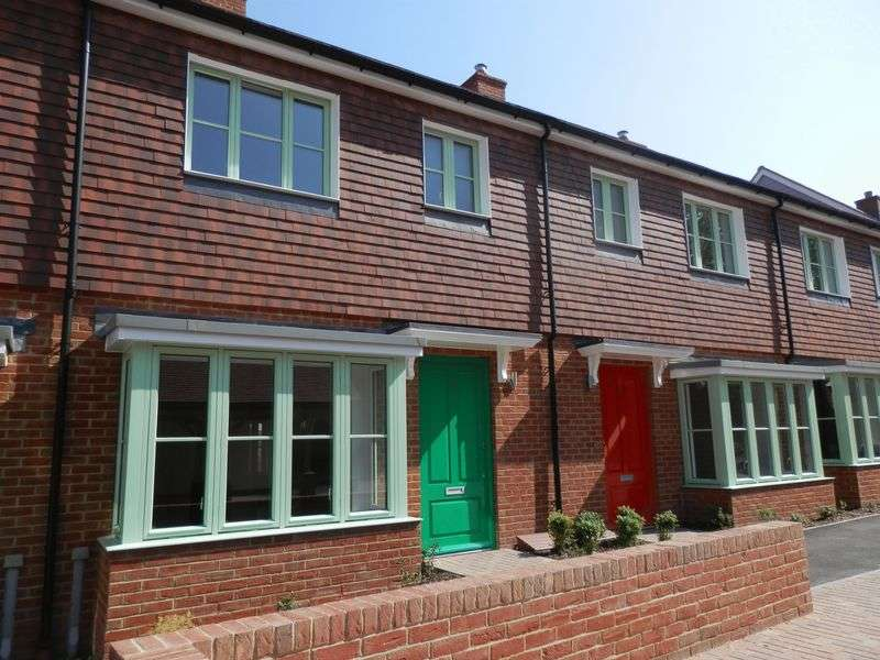 3 Bedrooms Terraced House for sale in Elmwood Park, Woodnesborough