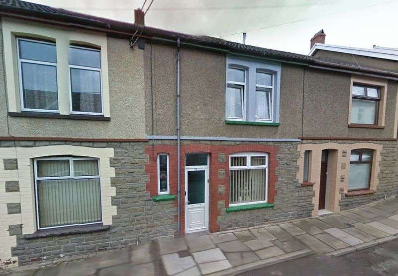 3 Bedrooms Terraced House for sale in William Street, Abercynon, Mountain Ash, CF45 4RW