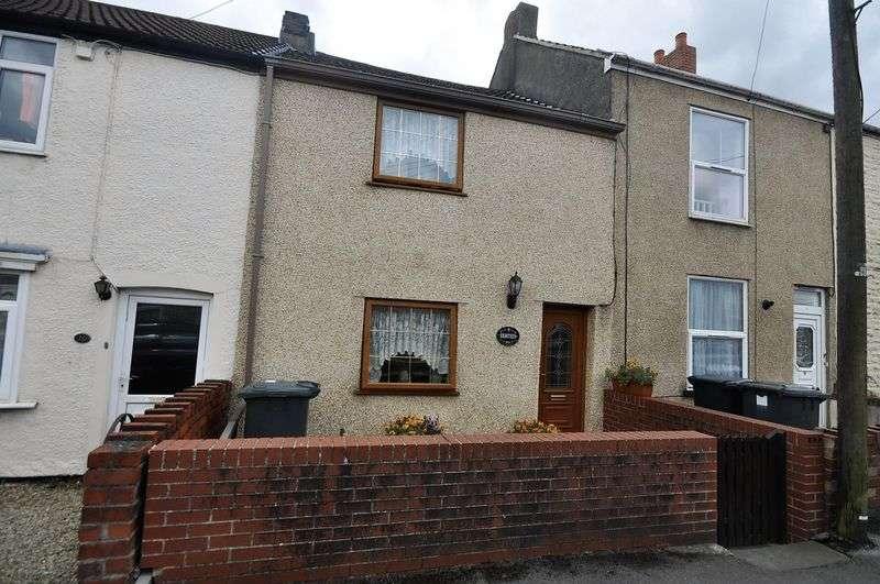 2 Bedrooms Terraced House for sale in Lansdown Road Kingswood