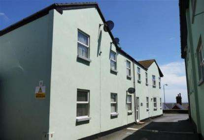 2 Bedrooms Flat for sale in West Cliff, Dawlish, Devon