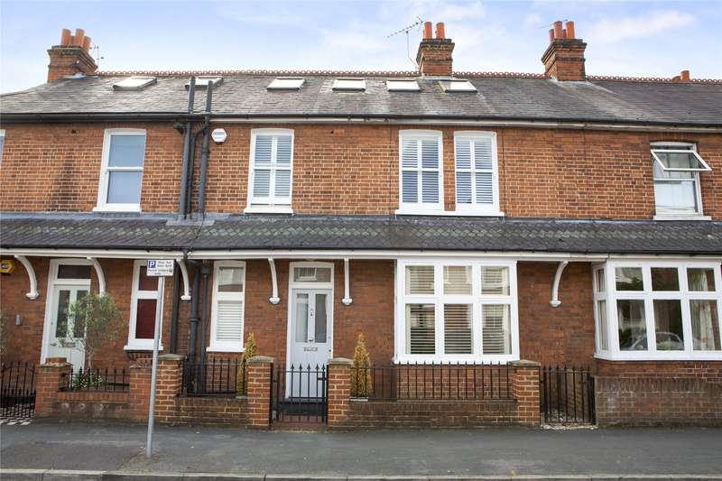 4 Bedrooms Terraced House for sale in Holstein Avenue, Weybridge, Surrey, KT13
