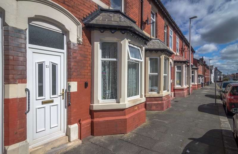 4 Bedrooms Terraced House for sale in Portland Road, Blackpool, Lancashire, FY1