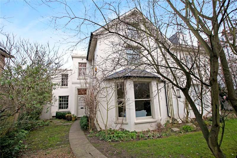 5 Bedrooms Semi Detached House for sale in Lee Road, London, SE3