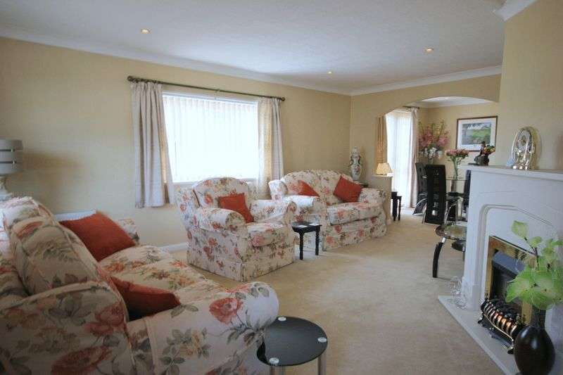 3 Bedrooms Detached Bungalow for sale in Doxey, Stafford