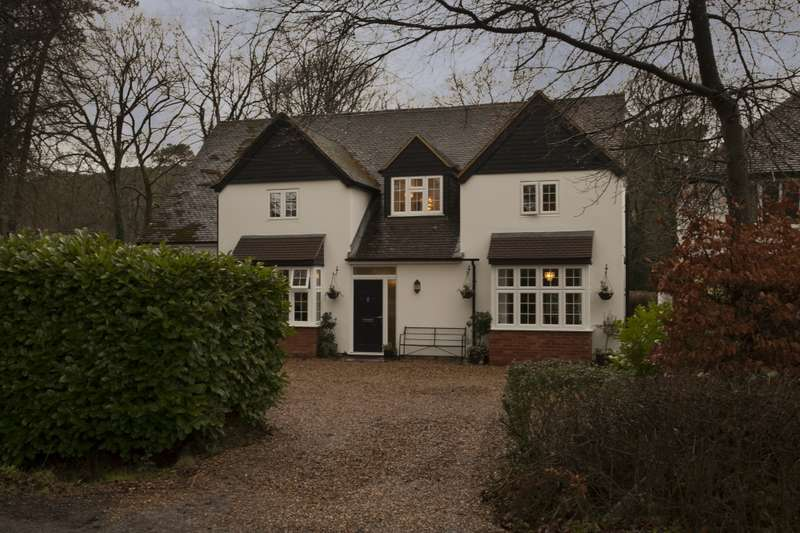 5 Bedrooms Detached House for sale in Frensham Vale, Farnham, Surrey, GU10