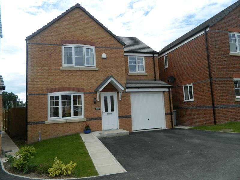 4 Bedrooms Detached House for sale in Kestrel Walk, Sandbach