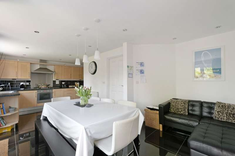 4 Bedrooms House for sale in Furfield Chase, Maidstone, ME17