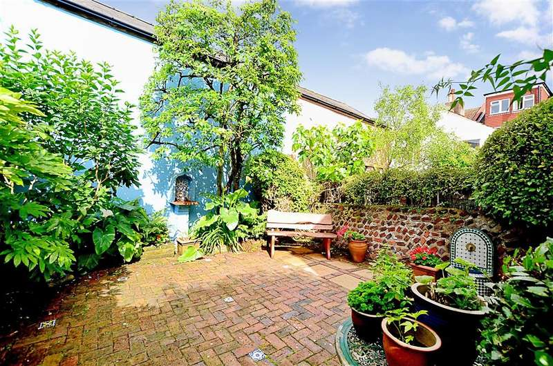 4 Bedrooms Semi Detached House for sale in Edburton Avenue, Brighton, East Sussex