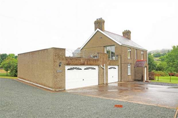 4 Bedrooms Detached House for sale in Garndolbenmaen, Garndolbenmaen, Gwynedd