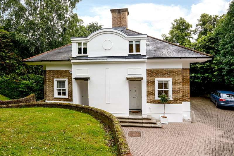 3 Bedrooms Semi Detached House for sale in Kingston Hill Place, Kingston upon Thames, Surrey, KT2