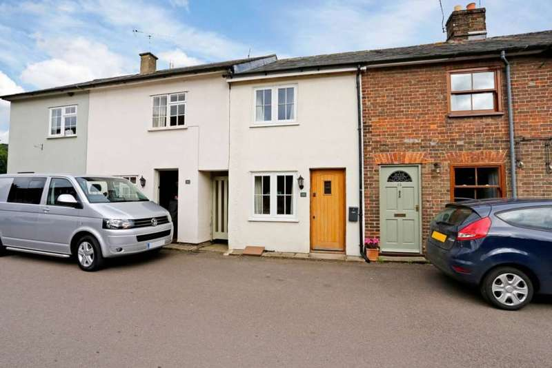 2 Bedrooms Cottage House for sale in Trooper Road, Aldbury