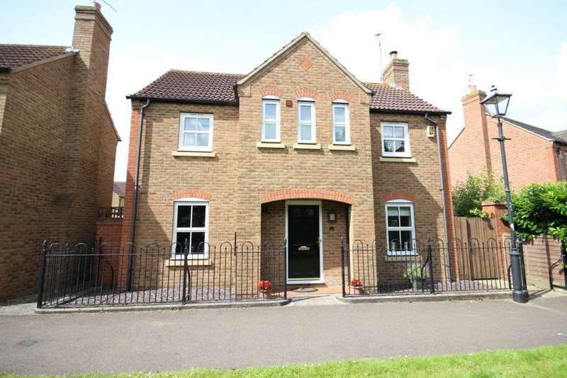 3 Bedrooms Detached House for sale in Wixon Path, Fairford Leys