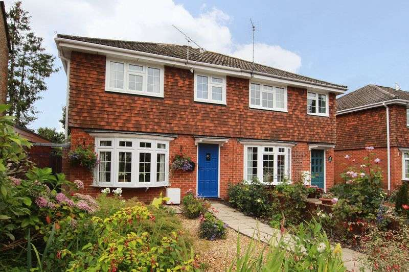 3 Bedrooms Semi Detached House for sale in Romsey