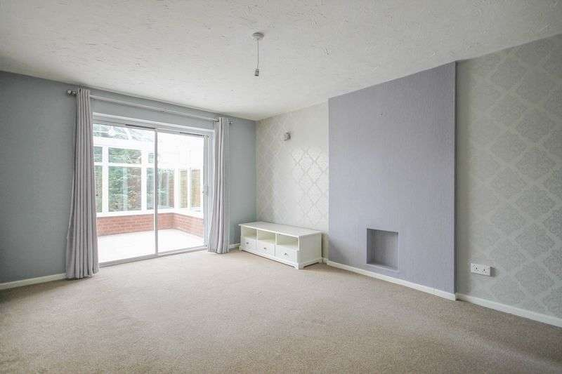 2 Bedrooms Semi Detached House for sale in Rochester Croft, Reedswood, Walsall