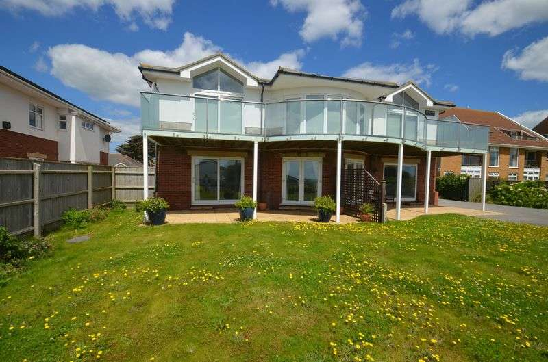 2 Bedrooms Flat for sale in Hurst Road, Milford on Sea
