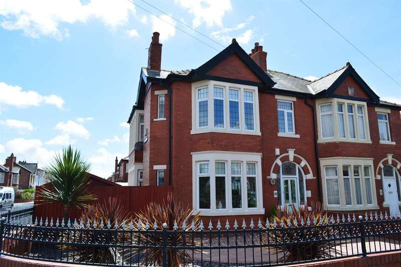 4 Bedrooms Semi Detached House for sale in St Lukes Road, South Shore, Blackpool, FY4 2EJ