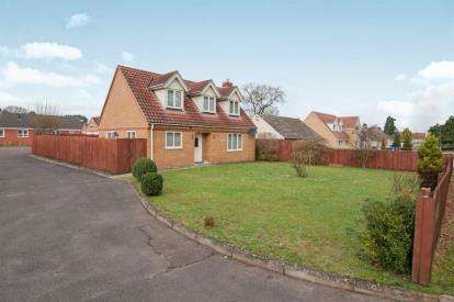 4 Bedrooms Bungalow for sale in Brandon, Suffolk