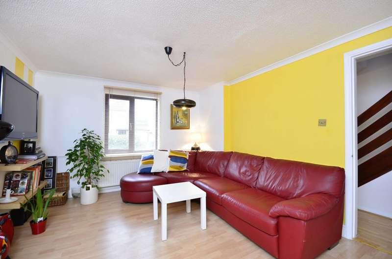 3 Bedrooms House for sale in Wintergreen Close, Beckton, E6