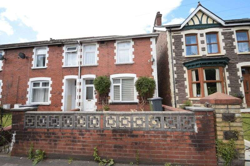 2 Bedrooms House for sale in The Highway, New Inn,