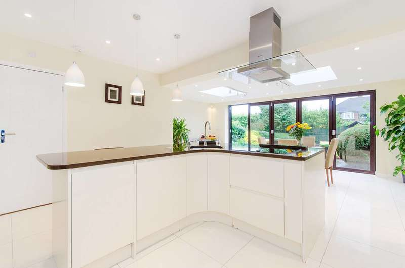 4 Bedrooms Semi Detached House for sale in Catlins Lane, Pinner, HA5