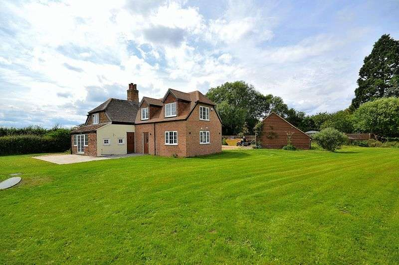 4 Bedrooms Detached House for sale in Church Road, Slapton