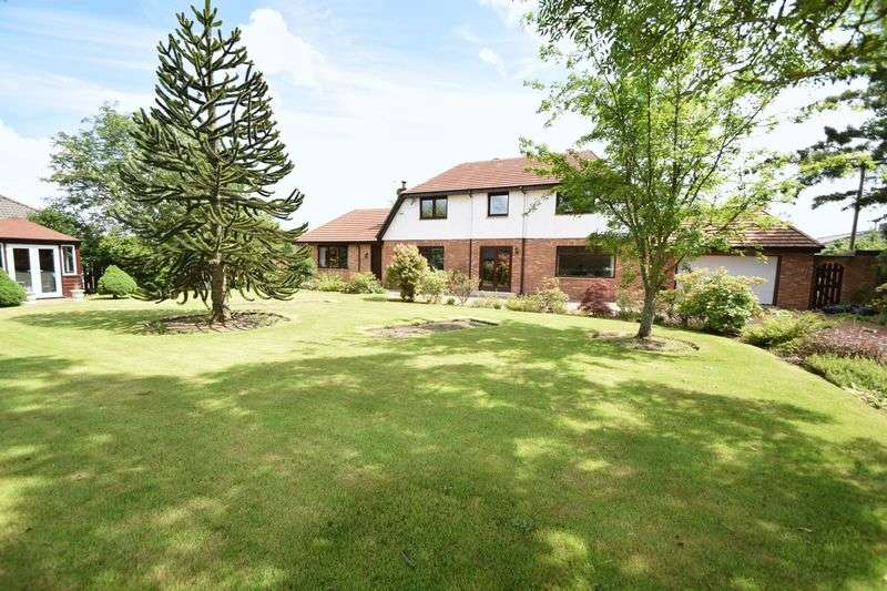 5 Bedrooms Detached House for sale in Impressive Detached Family Home with Separate Annex.