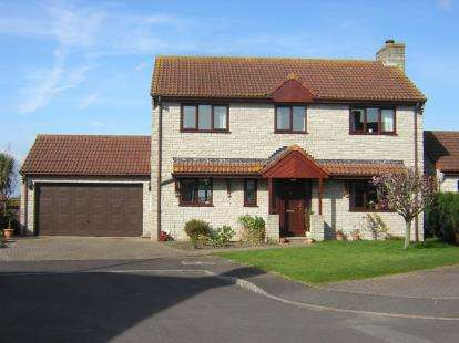 4 Bedrooms Detached House for sale in Ilchester, Yeovil, Somerset