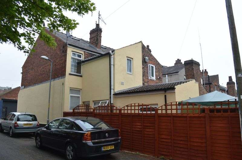 4 Bedrooms Terraced House for sale in Winn Street, Lincoln