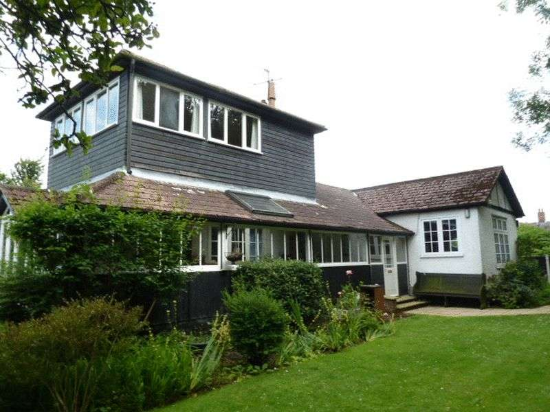 3 Bedrooms Detached House for sale in Shop Lane, East Mersea