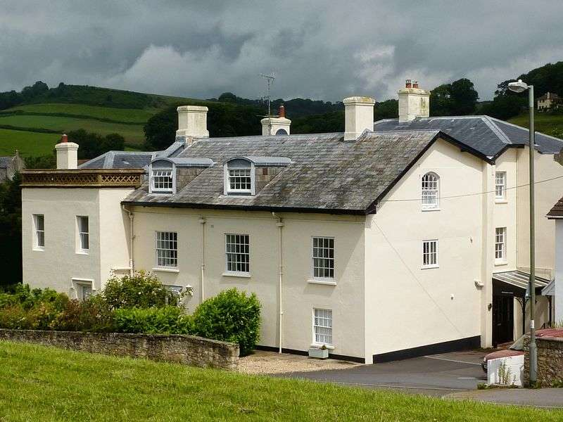 2 Bedrooms Flat for sale in Uplyme, Nr Lyme Regis