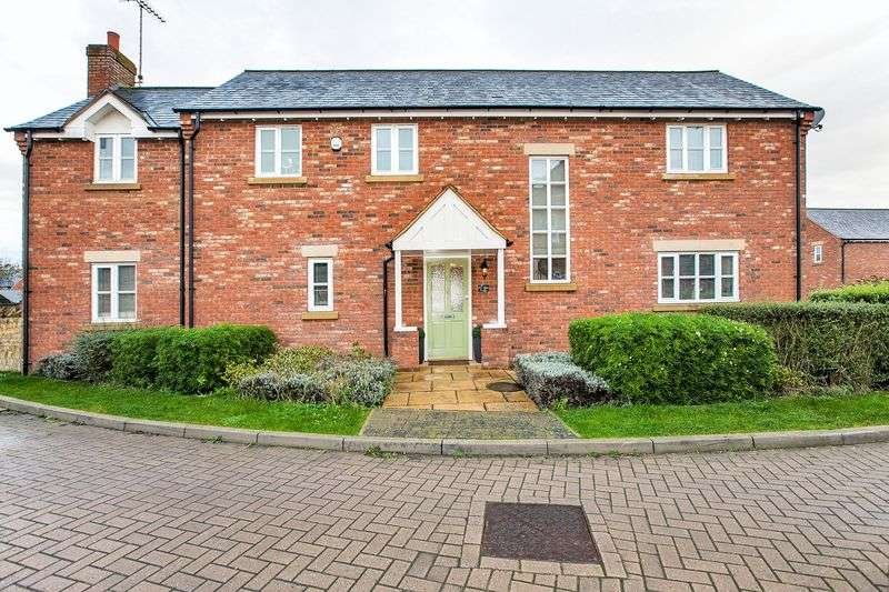 4 Bedrooms Detached House for sale in St Augustus Close, Bletchley