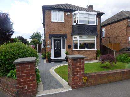 3 Bedrooms Detached House for sale in Fulmar Drive, Sale, Manchester, Greater Manchester