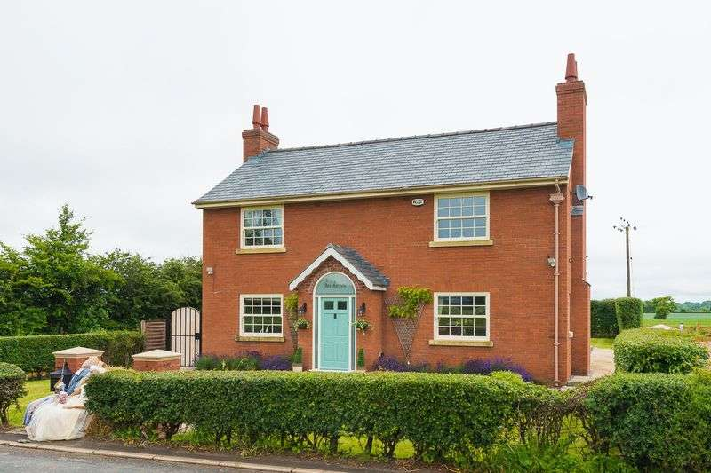 4 Bedrooms Detached House for sale in North Moor Lane, Halsall