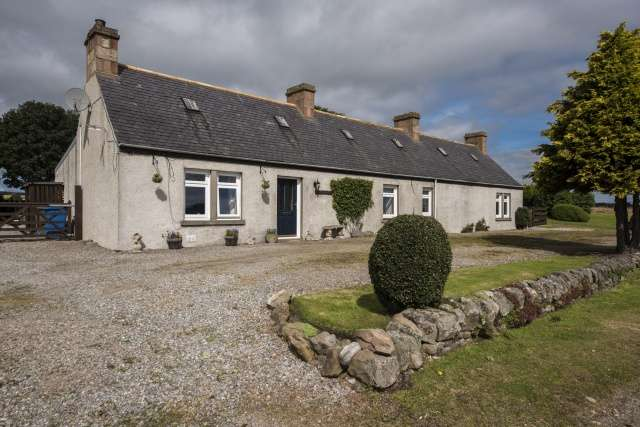 3 Bedrooms Cottage House for sale in Pollo, Invergordon, Highland, IV18 0LZ