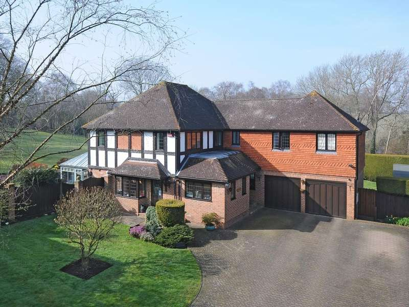 5 Bedrooms Detached House for sale in Lambardes Close, Orpington, BR6
