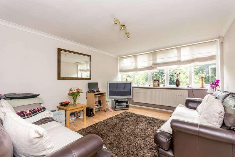 3 Bedrooms Maisonette Flat for sale in Neasden Lane, Neasden, NW10