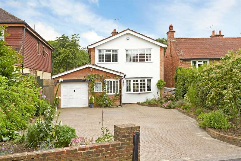 3 Bedrooms Detached House for sale in Epsom Lane South, Tadworth, Surrey, KT20