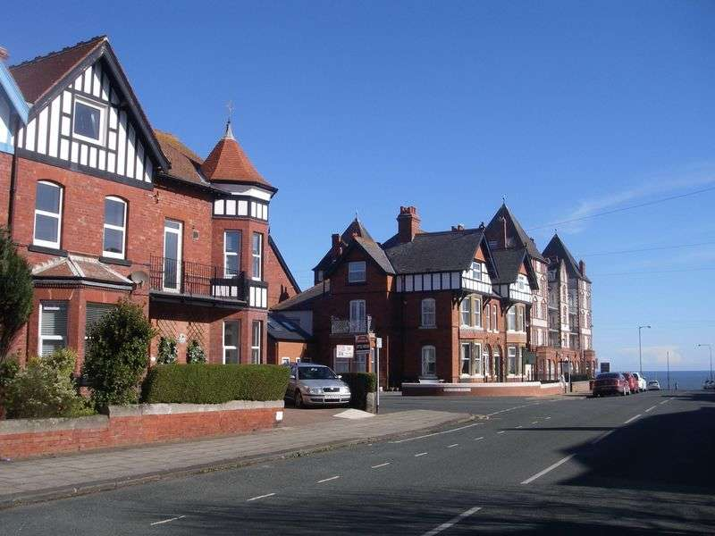 3 Bedrooms Flat for sale in Argyle Road, Whitby