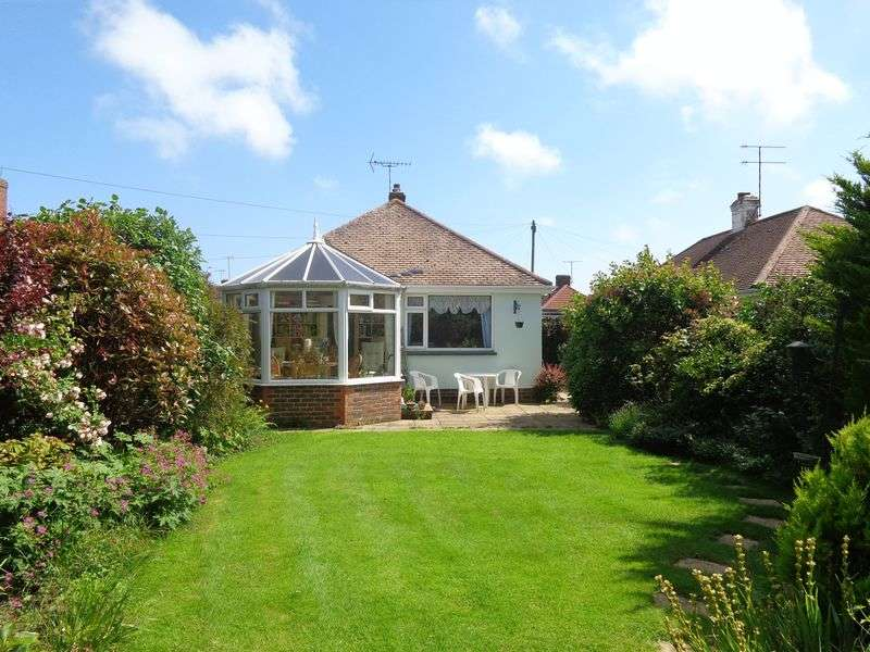 2 Bedrooms Detached Bungalow for sale in Keymer Crescent, Goring