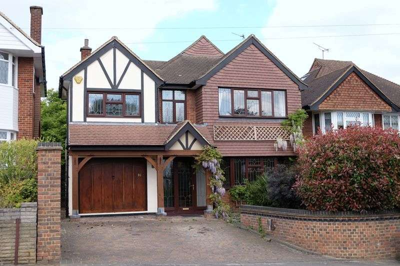 4 Bedrooms Detached House for sale in Blendon Road, Bexley