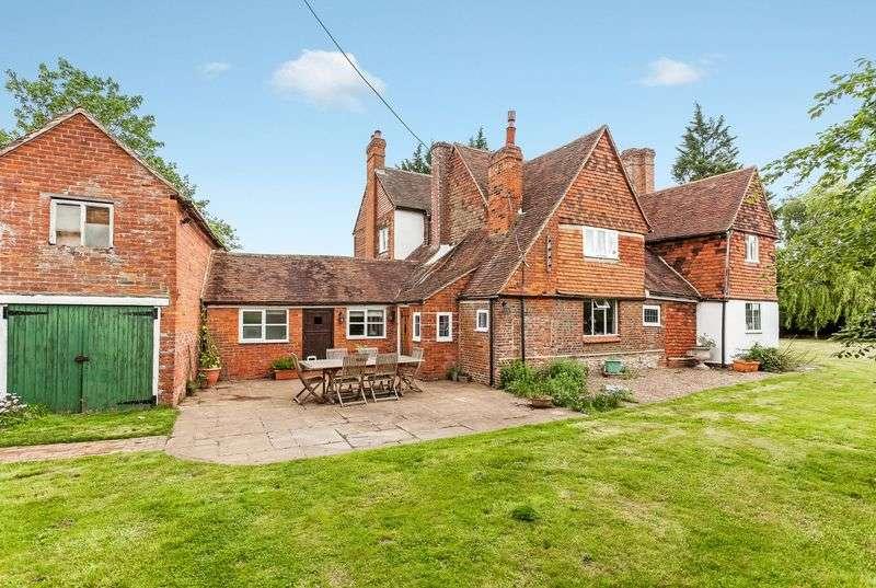 5 Bedrooms Detached House for sale in Mockbeggar House, Collier Street, Kent