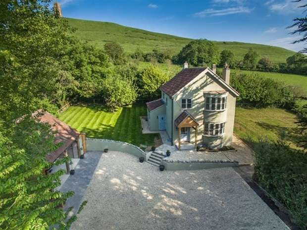 4 Bedrooms Detached House for sale in Wellhouse Lane, Glastonbury