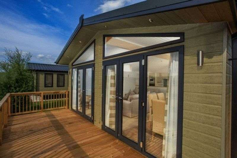 2 Bedrooms Bungalow for sale in Maesperthi Caravan Park, Penegoes, Machynlleth, Powys, SY20 8UN