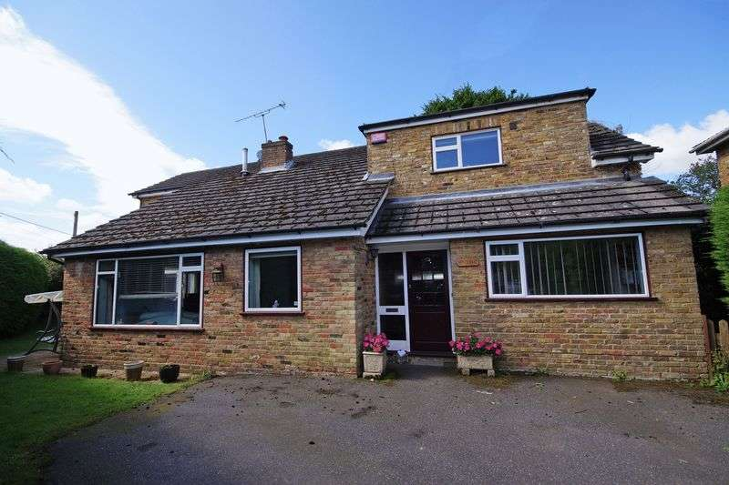 4 Bedrooms Detached House for sale in Prestwood