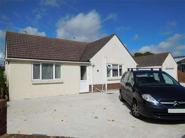 3 Bedrooms Bungalow for sale in Beccles Close, Poole