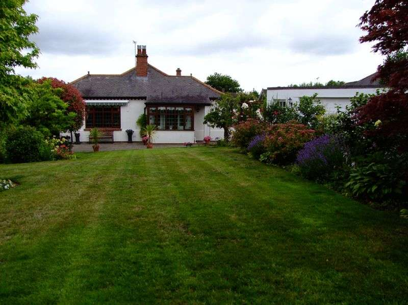 3 Bedrooms Detached Bungalow for sale in Tower Road, Burton